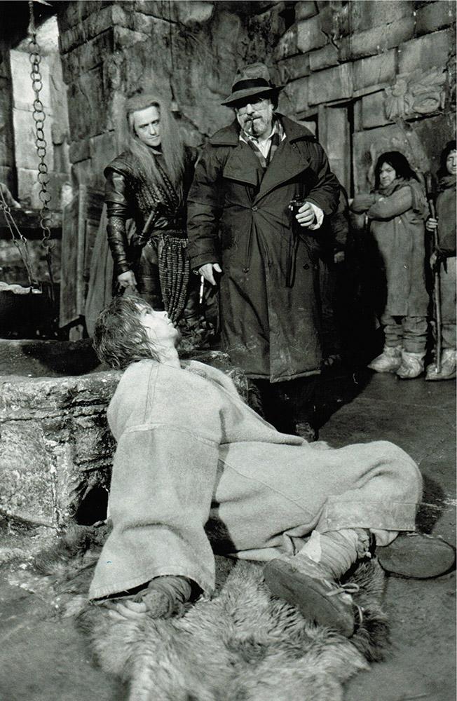 """Mt Hauptdarsteller Edward Zentara Während der Dreharbeiten zu """"Es ist nicht leicht ein Gott zu sein"""" in der UdSSR"""